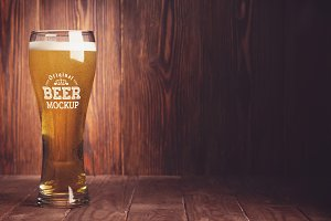 Beer Glass Mock-up#11