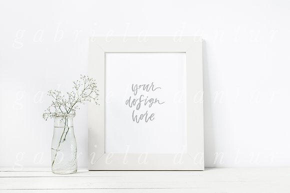 Download Minimalist White Frame Mockup