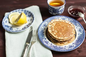 oat pancakes and tea with lemon