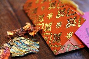 Gilding Flakes & Foiled Envelope