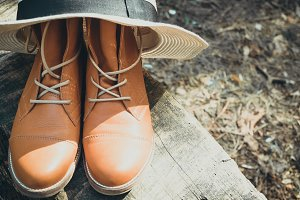 Leather boots with hat