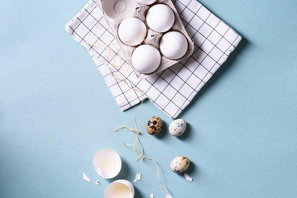 chicken eggs & quail eggs