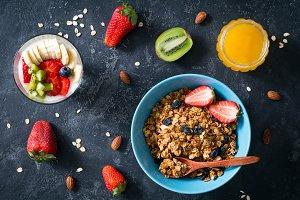 Granola, fresh fruits and honey