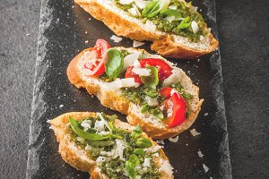 Bruschetta with pesto
