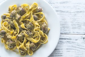Creamy mushroom sauce pasta