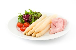 White asparagus with salad and ham