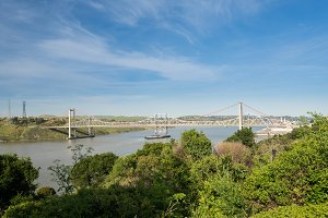 Al Zampa and Carquinez bridges carry US I80 across river