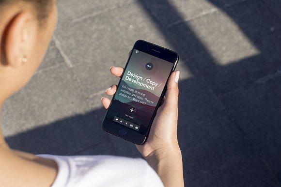 Download iPhone 7 Plus Mockup v2