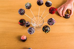 Cake-Pops in Stick in a Glass