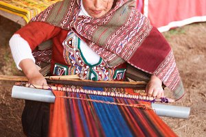 Woman work in chinchero