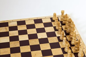Chess game - Diagonal on White