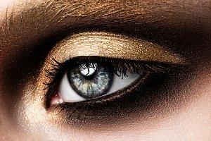 Close-up of beautiful womanish eye
