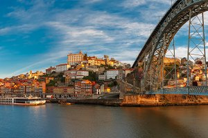 Douro river and Dom Luis bridge, Porto, Portugal.