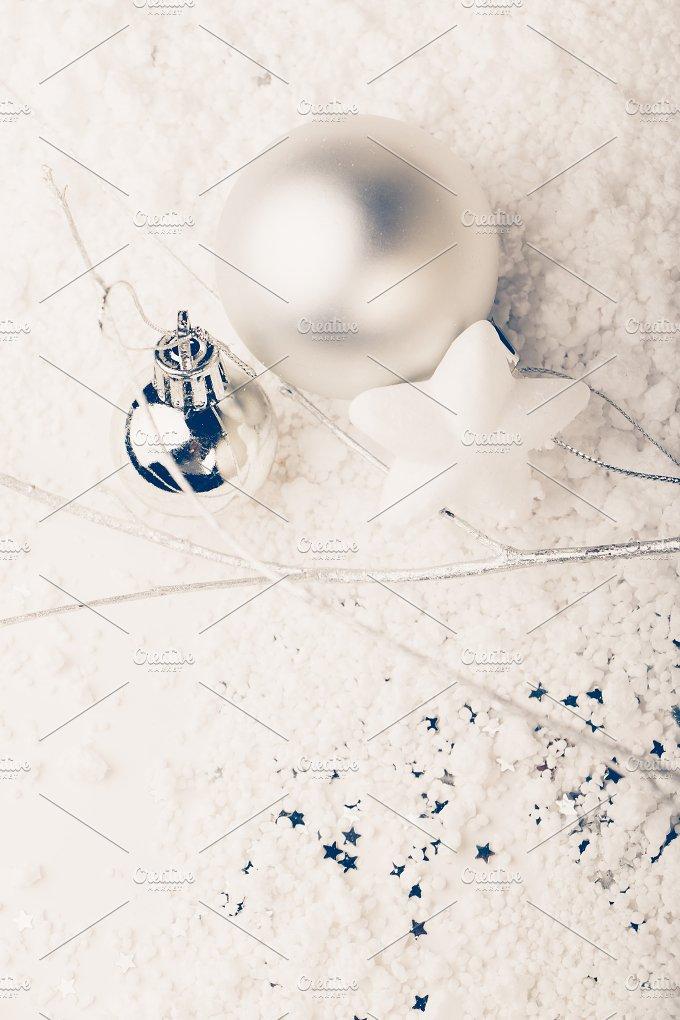 Minimal Christmas decorating.jpg - Holidays