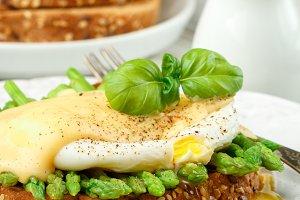 asparagus, poached egg