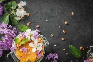 Breakfast with edible flowers
