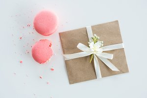 decorative kraft envelope with bow