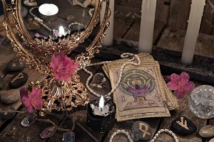 Tarot cards and mirror