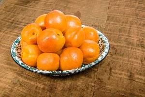 Bowl of fresh apricots