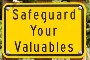 Safe guard valuables sign