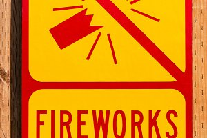 Yellow sign prohibiting fireworks