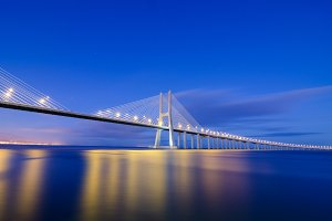 Vasco da Gama bridge in Lisbon, Portugal 8.jpg