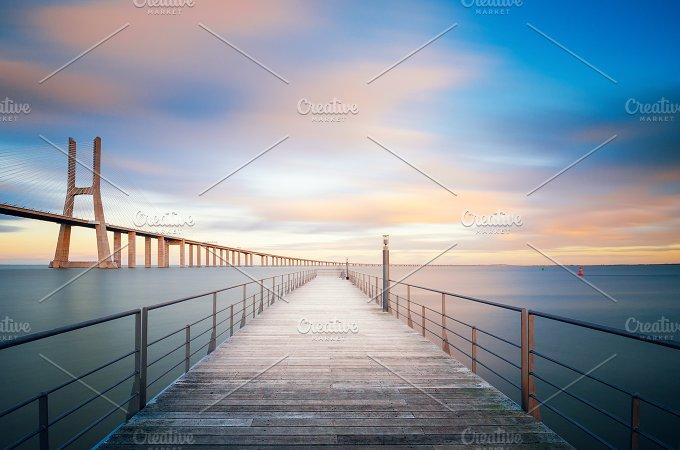 Vasco da Gama bridge in Lisbon, Portugal 10.jpg - Architecture