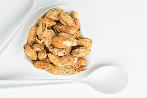 Almond nuts healthy for the heart