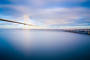 Vasco da Gama bridge in Lisbon, Portugal.jpg