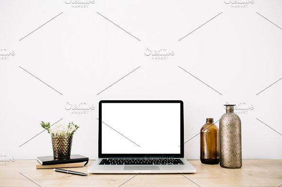 Minimalistic Home Office Desk