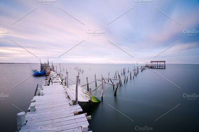 Old pier at Carrasqueira Palaphitic port copia Portugal 2.jpg - Architecture