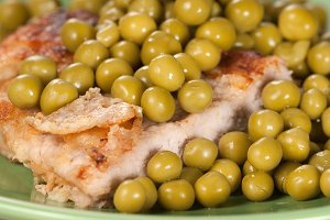 Pork chop with green pea