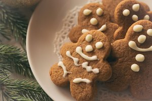Tiny Gingerbread Men