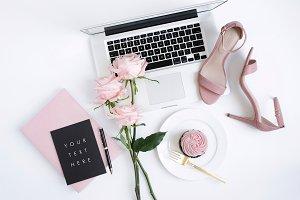 Styled Image, Black Notecard Mockup