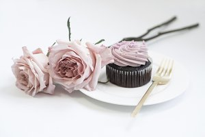 Styled Image, Cupcake & Roses