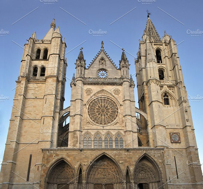 Cathedral of Leon.jpg - Architecture