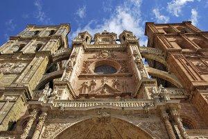 Astorga Cathedral facade.jpg