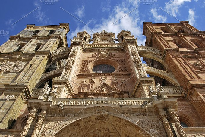 Astorga Cathedral facade.jpg - Architecture