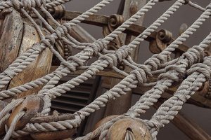 reliable ship ropes and brackets