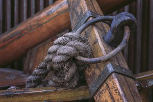 rope attached to the ring beam ship