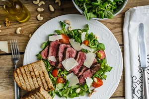 Rump steak with spicy herb butter