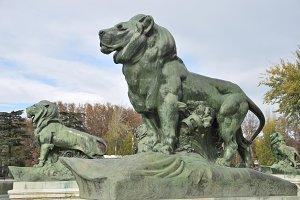 lions sculptures