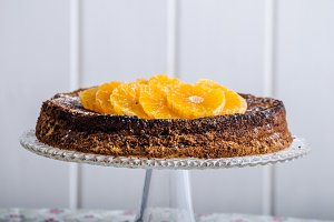 Orange cake with honey