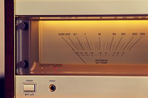 Power Amplifier Glowing VU Meter