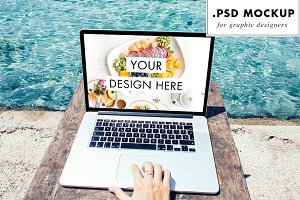 PSD Web Mockup - Freelance Travels