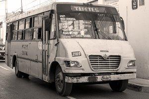 Vintage bus in Mérida (Yucatán)