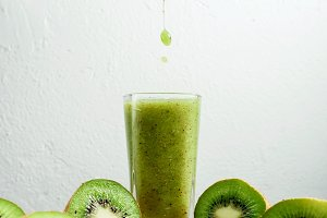 kiwi smoothie tropical fresh