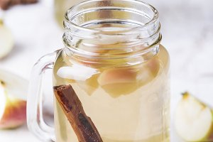 lemonade with apple, ginger and cinnamon