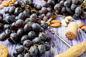 Dark grapes bunch