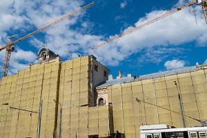 Restructuring the building of the Polytechnic Museum in Moscow (cranes)